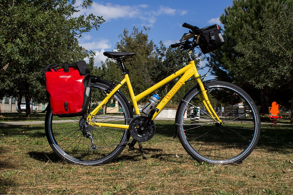 Trekking Comfort bike for hire - women's frame with pannier