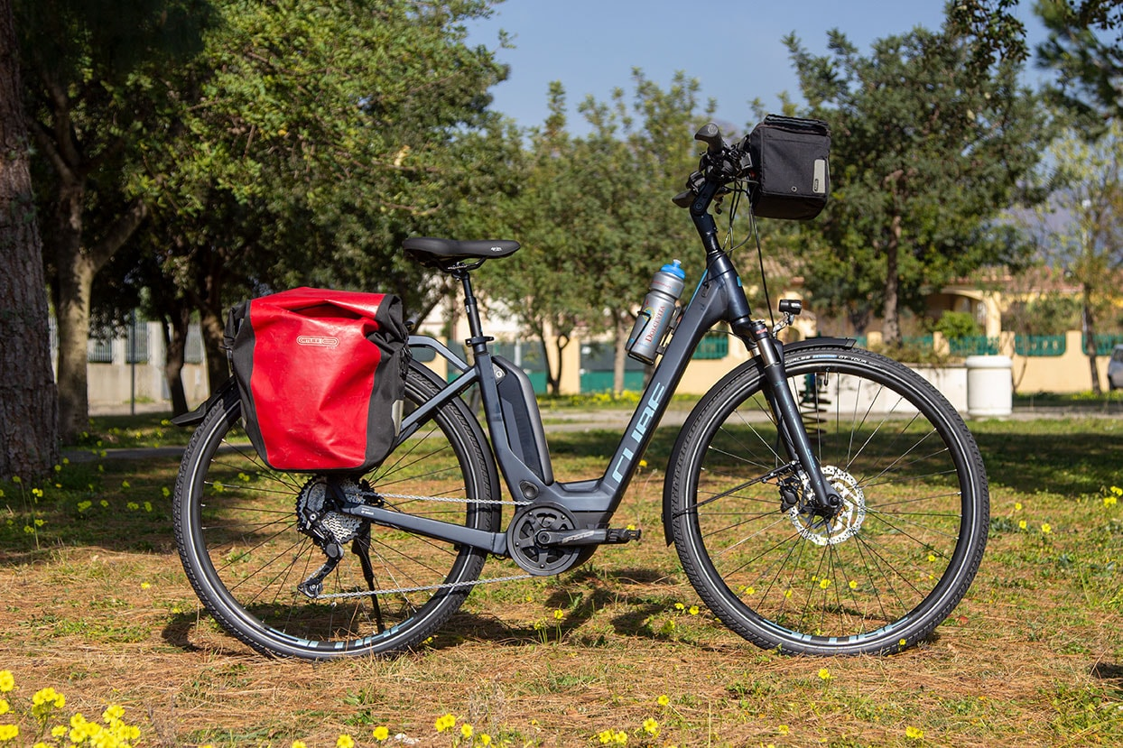 CUBE electric bike TOURING HYBRID Pro 500 noleggia in Sardegna