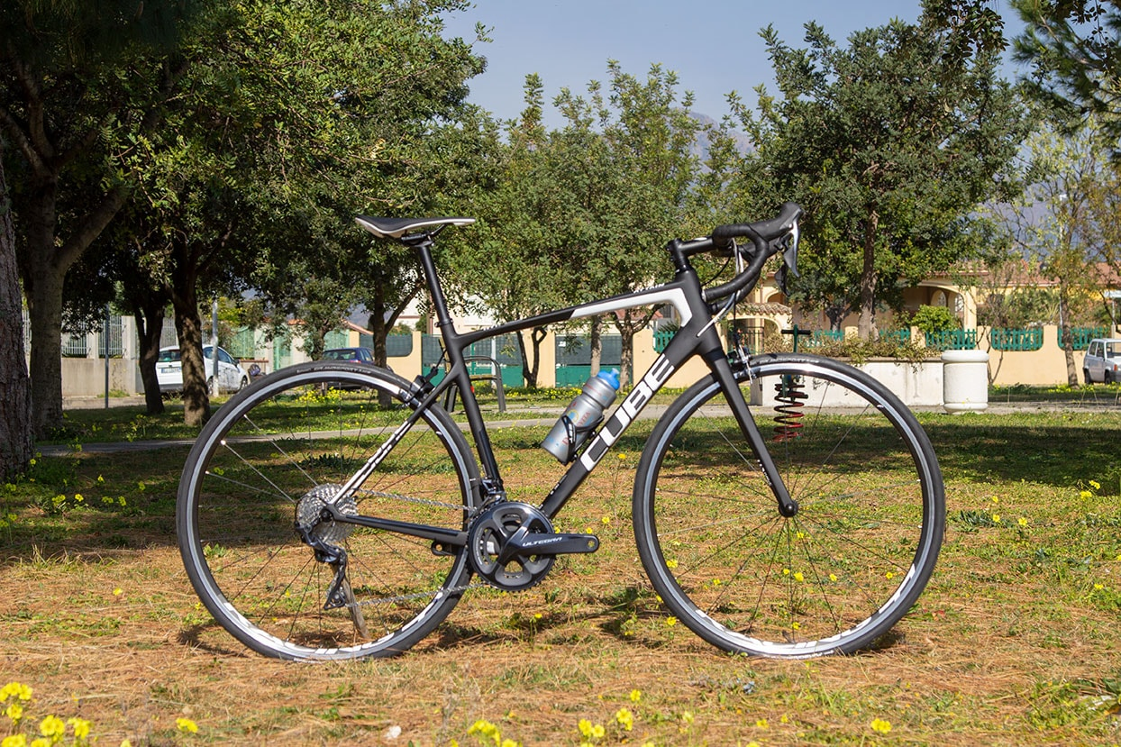 Cube Road bike for rental 2019