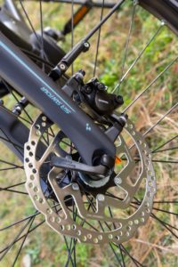 brake system: Shimano BR-MT200, Hydr. Disc Brake (180/160)