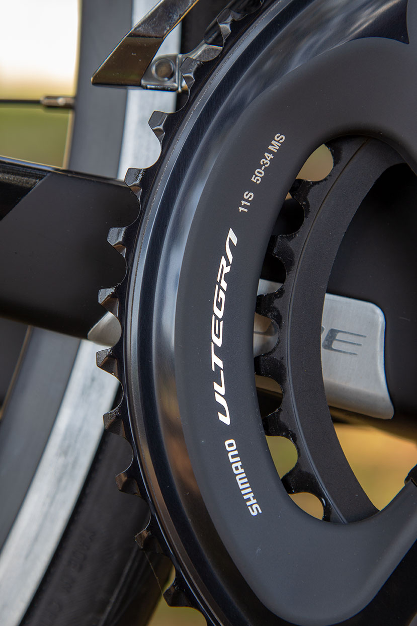 Guarnitura: Shimano Ultegra FC-R8000, Hollowtech II, 50x34T, 170mm (50/53cm), 172.5mm (56/58cm), 175mm (60/62cm)
